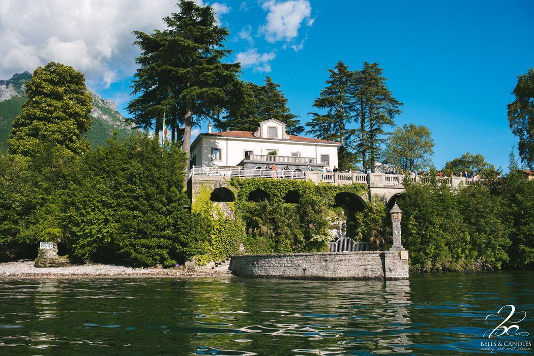 Villa dal lago