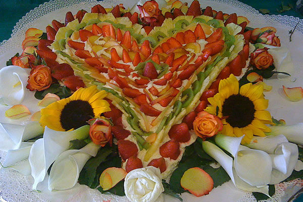 Torta di frutta a cuore - La Buona Tavola Catering&Banqueting Firenze