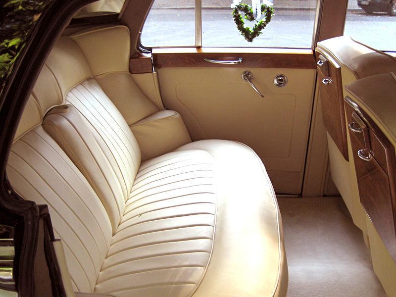 Beispiel: Der Bentley von Innen, Foto: ClassicCars.
