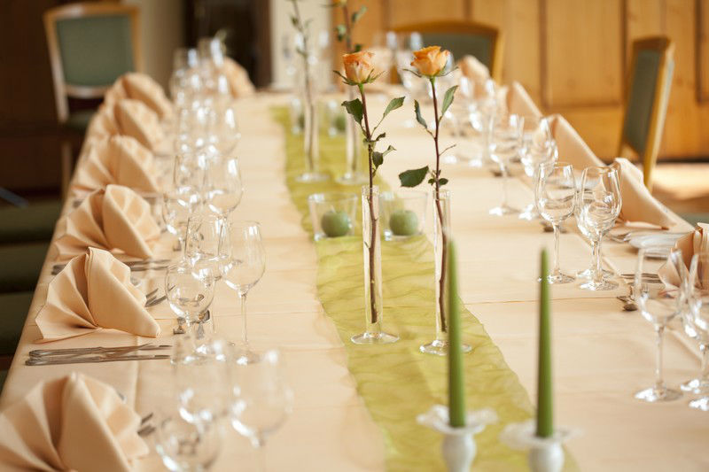 Beispiel: Hochzeitstafel, Foto: Hotel Weis.