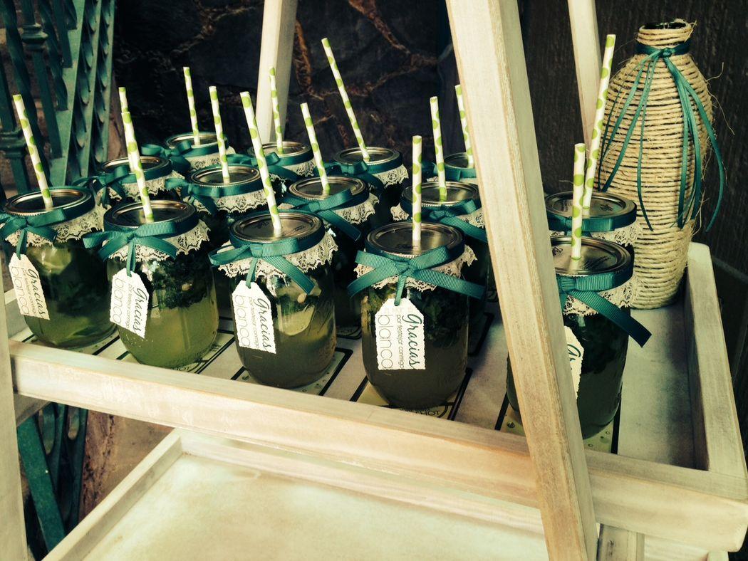 Mojitos en Mason Jars personalizados