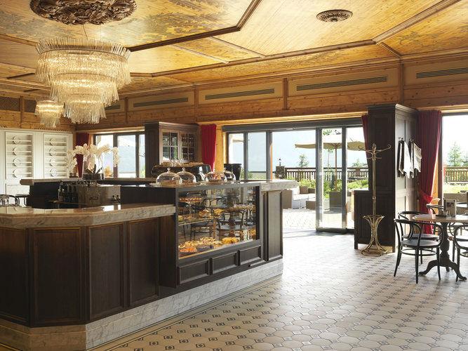 Beispiel: Eingangsbereich, Foto: Interalpen Hotel.