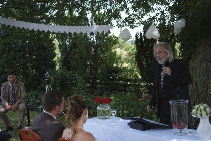 Beispiel: Hochzeitsrede, Foto: LEBENSFEIERN SONNENKLANG.