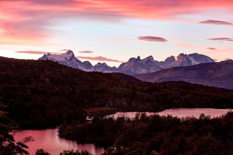 Atardecer otoñal en Patagonia Camp