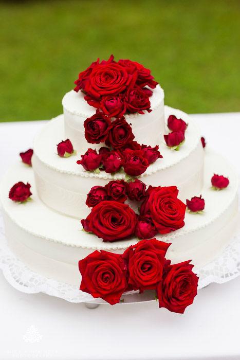 Hochzeitstorte mit Rosen