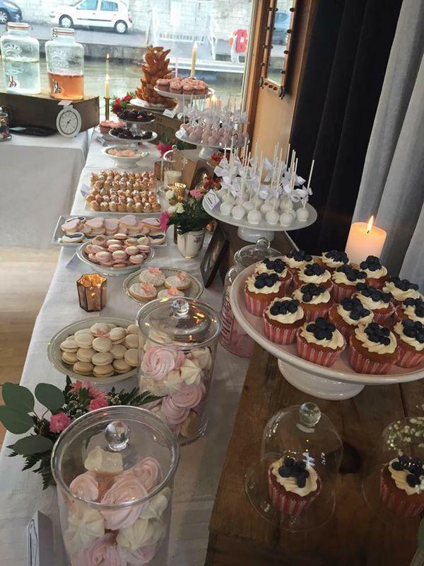 Sweet table ultra gourmande sur une peniche à Paris !