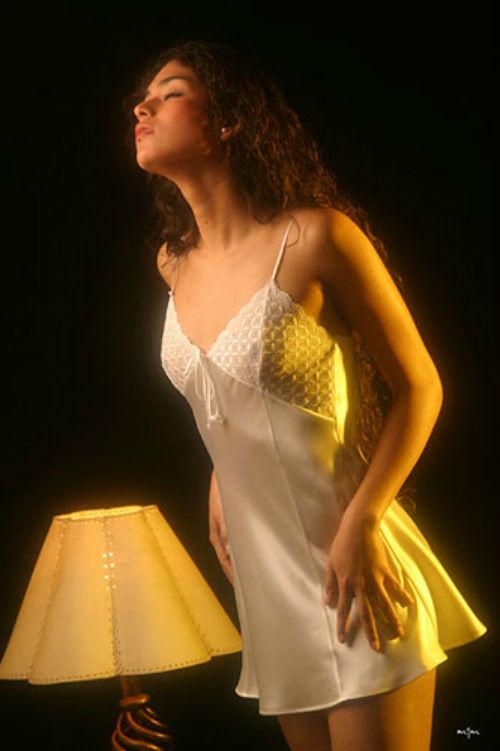 Hilda Burgos Lencería Fina