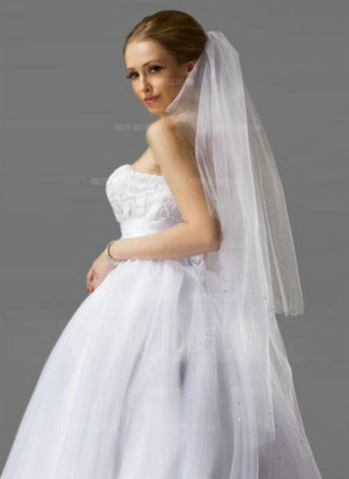 Beispiel: Brautschleier, Foto: AmorModa.