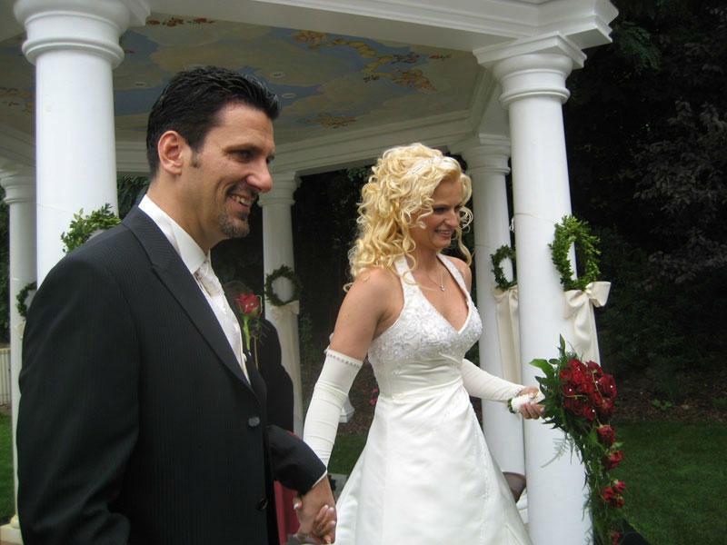 Beispiel: Ein zufriedenes Brautpaar, Foto: Kreone.