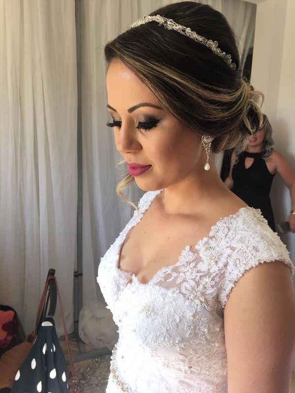 Lily Prado Maquiagem e Penteado