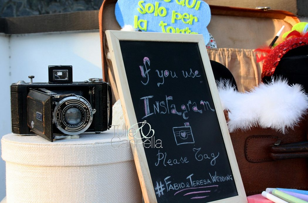 Photo Booth che passione! Personalizziamo in tema con il tuo matrimonio anche il più piccolo photobooth