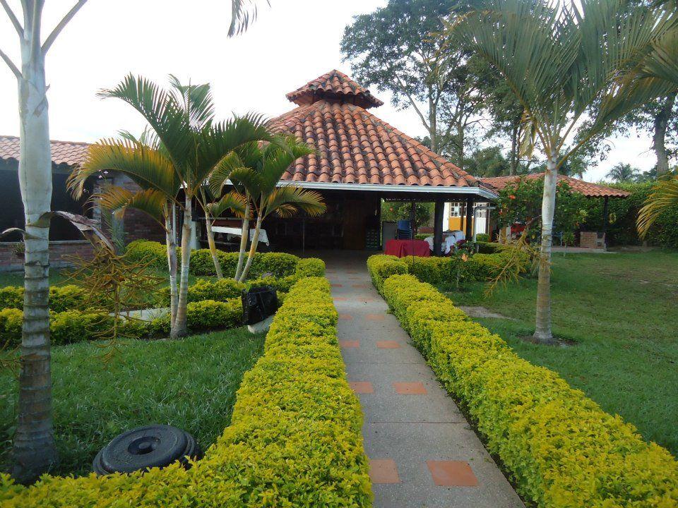 Finca Hotel Heliconias Doradas