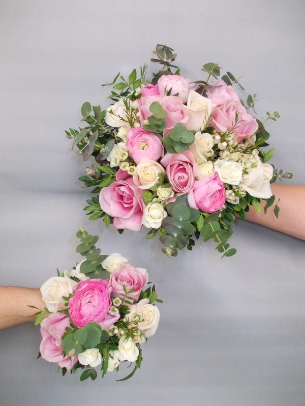 Bouquet de mariée tiges apparentes, avec le bouquet de demoiselle d'honneur