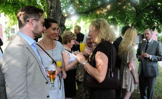 Beispiel: Ihre Hochzeitsfeier im Park, Foto: Schloss Fachsenfeld.