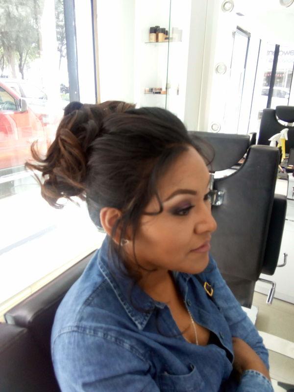 Indira Ramírez Make Up Artist