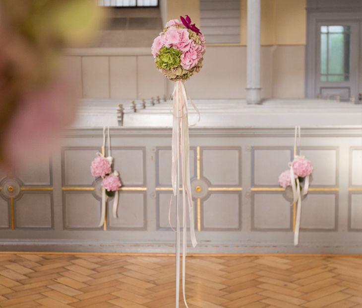 Beispiel: Dekoration Ihrer Hochzeit, Foto: Blumenhaus am Hofgarten.