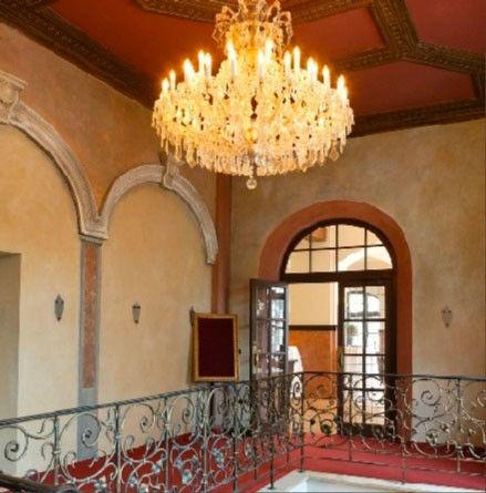 Beispiel: Innenraum - Kronleuchter, Foto: Wirtshaus in der Au.