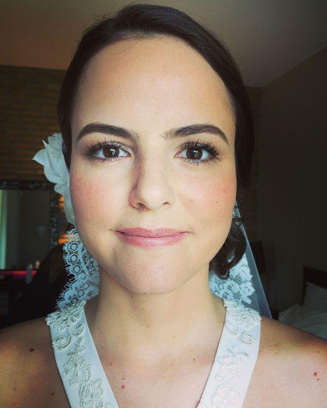 Fati Jardim - Makeup Artist