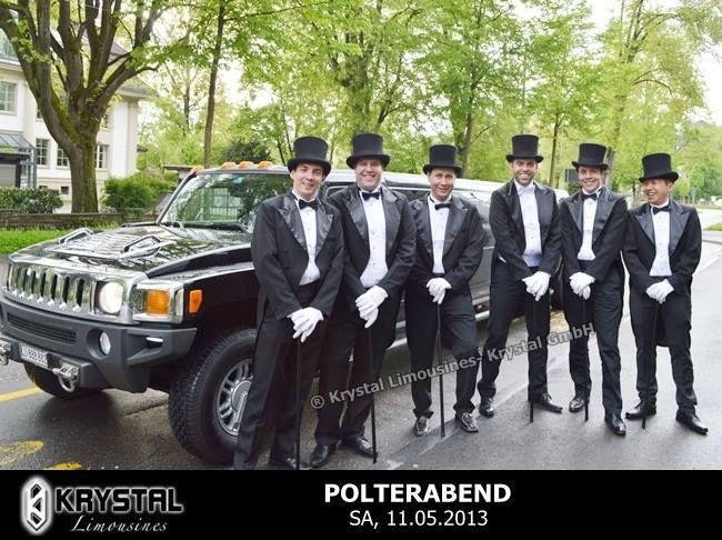 Beispiel: Auch für den Polterabend das richtige Auto, Foto: Krystal Limousines.