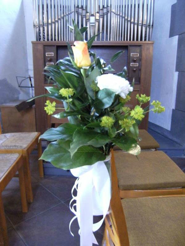 Beispiel: Kirchendekoration, Foto: Blumen- und Gartenbau Schulz.