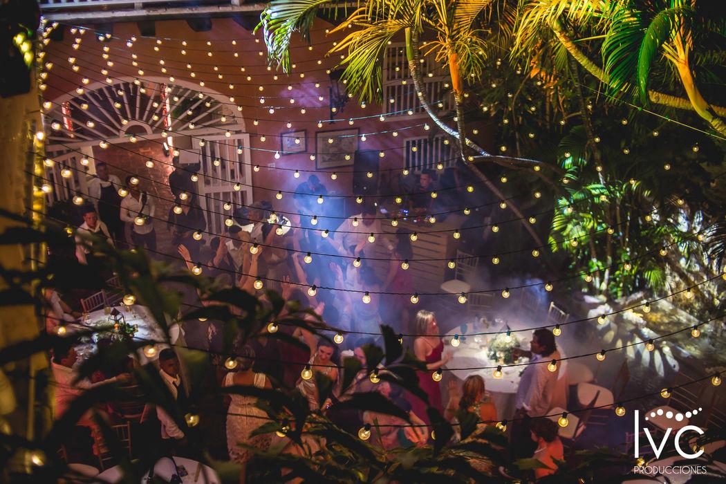 Recepciòn en el patio principal de la casa fernández madrid