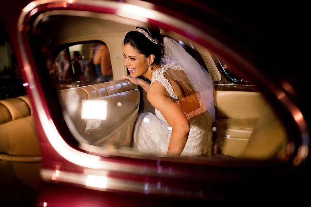 Foca • Noiva saindo do carro