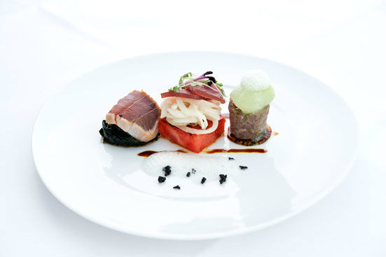 Beispiel: Kulinarische Impressionen, Foto: Main Tower Restaurant & Lounge.