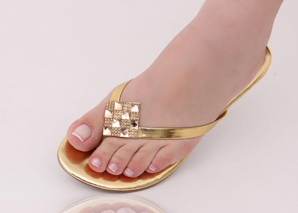 Slim Fashion Dourada com Losango de Pedras