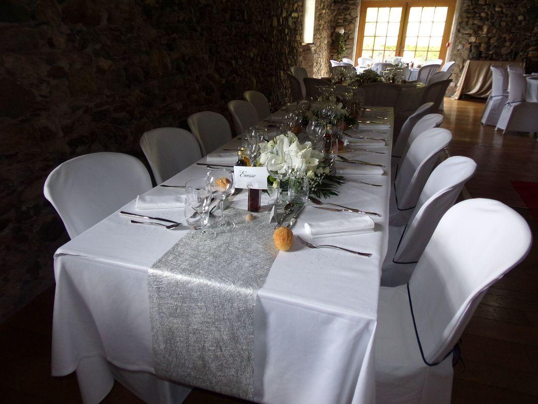 Centre de table rond, table d'honneur
