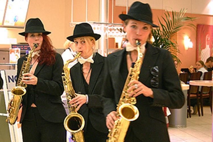 Beispiel: Hilfe beim musikalischen Rahmenprogramm, Foto: Agentur Deko Style Hochzeitsplanung.