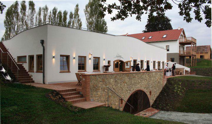Beispiel: Weinkeller, Foto: Das Eisenberg.