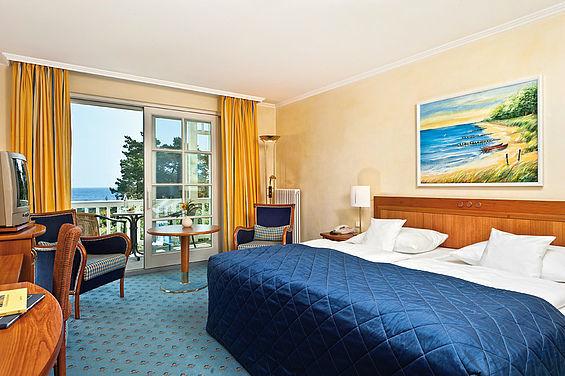 Beispiel: Doppelzimmer, Foto: Travel Charme Strandhotel Zinnowitz.