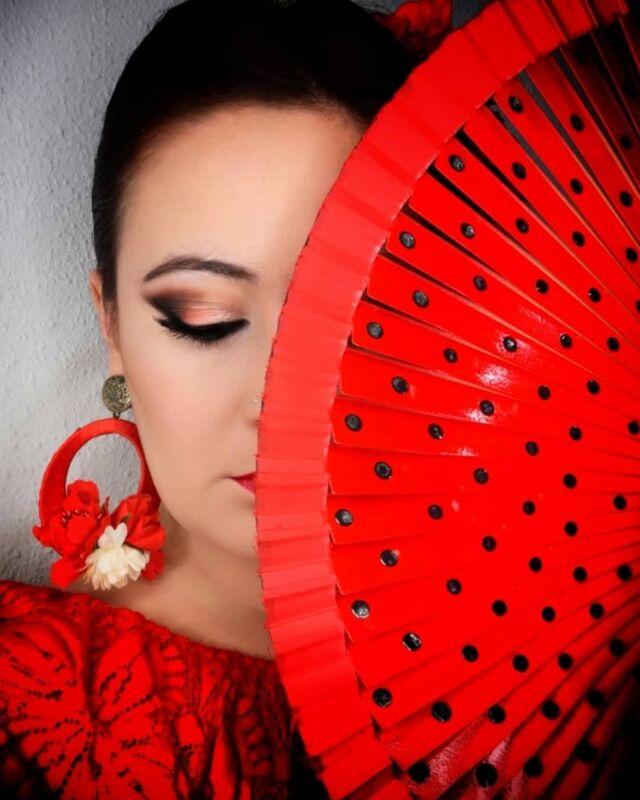 Esther Lopez Makeup