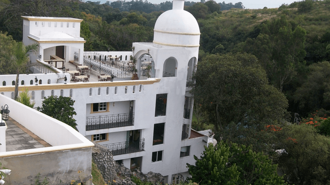 Vista del Hotel desde un costado de recepción