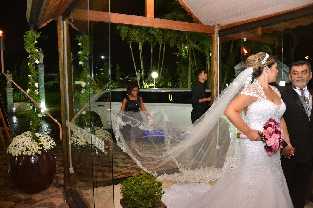 Kamilla Ferezin Organizadora de Casamentos e Cerimonial