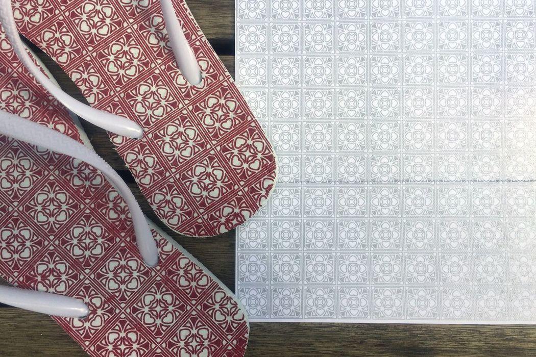 Pilar e Thiago - Pattern desenvolvido e aplicado na sandália e na parte interna do envelope