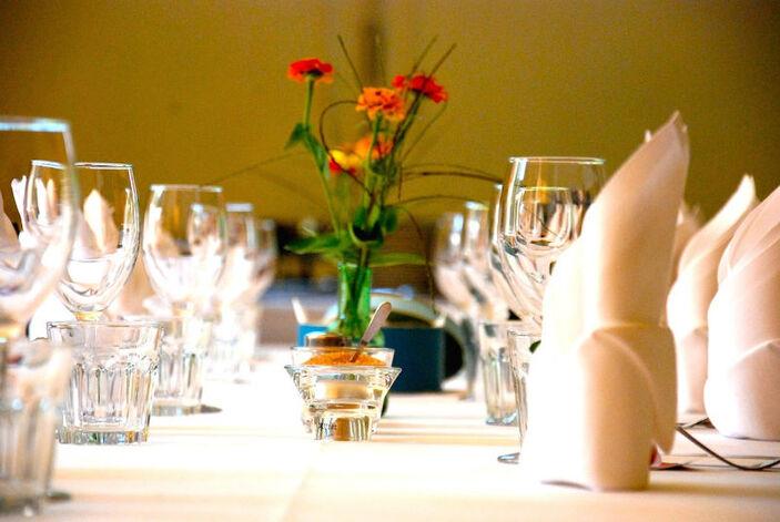 Beispiel: Tischdekoration, Foto: Seminarhaus am Schönberg.