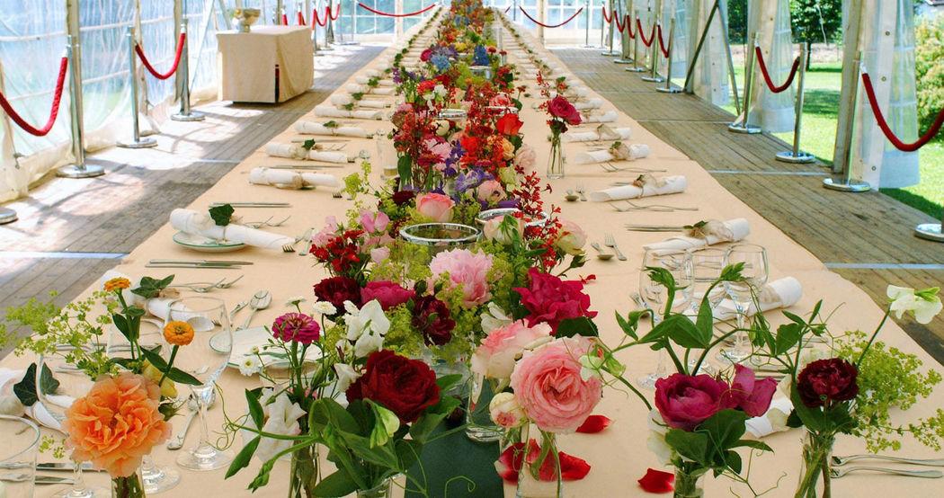 Beispiel: Hochzeitstisch, Foto: Sinnesfreunde.