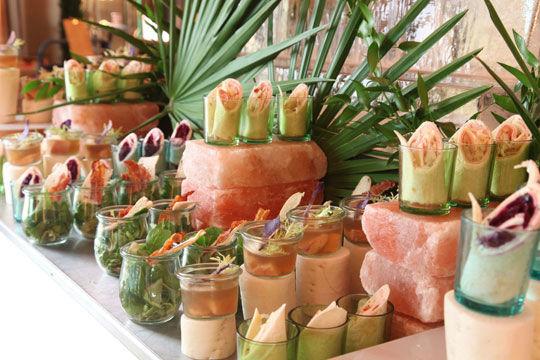 Beispiel: Fingerfood Buffet, Foto: Kuffler Catering.