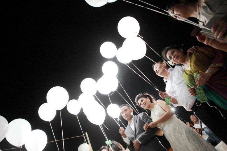 Los globos de latex con led son una linda opción para decorar tu evento o compartir un momento lindo con tus invitados