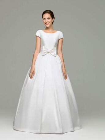 Нежное свадебное платье А-силуэта выполненное из благородного микадо от дизайнера Helen Miller