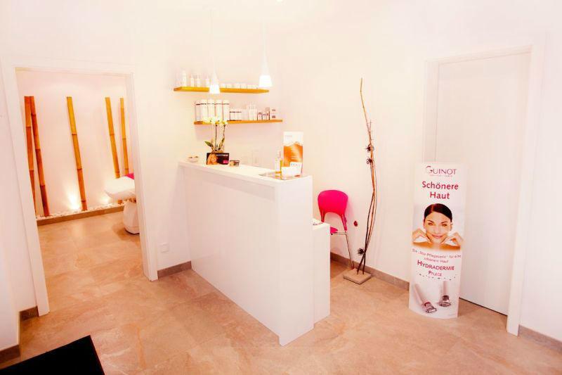 Beispiel: Kosmetikstudio von innen, Foto: Jasmin Haberl cosmetics.
