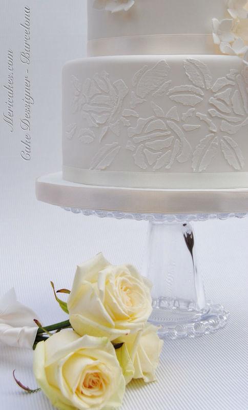 Detalle del velo de azúcar de la tarta de boda Pure white