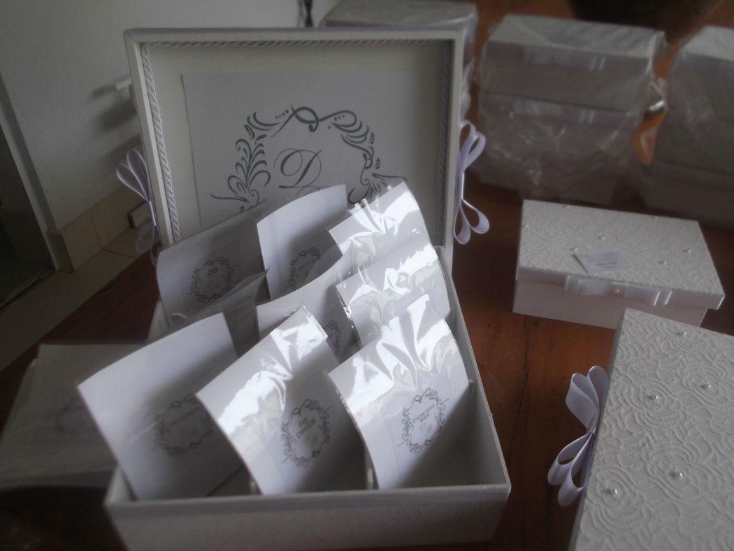 caixa Kit Toalete personalizada.