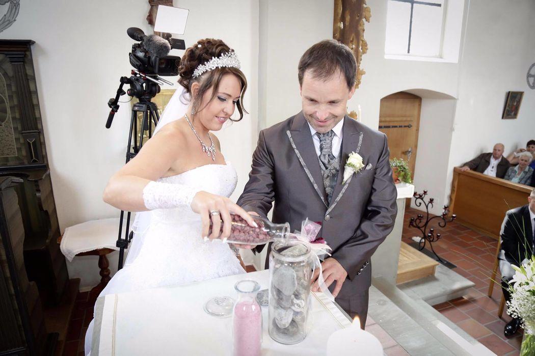 Sandzeremonie für Brautpaar