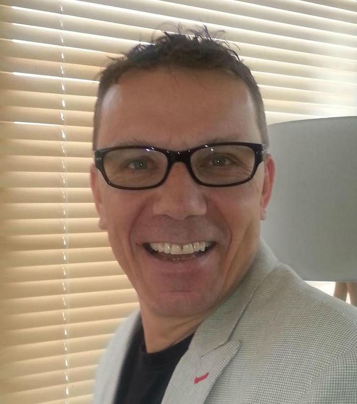 Beispiel: Daniel Kallen, Foto: Hochzeitspfarrer.