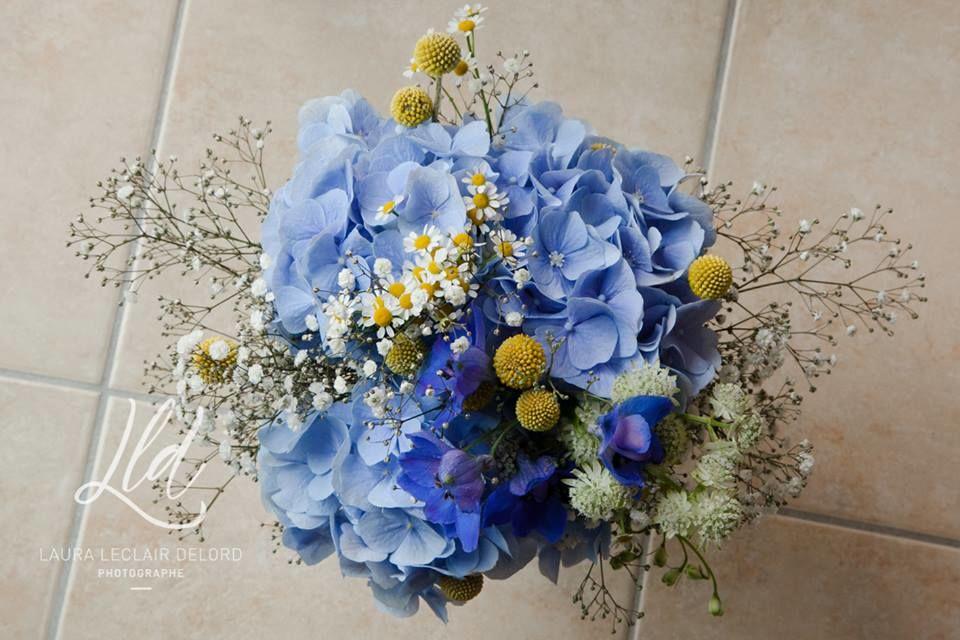 Bouquet de mariée bleu et jaune