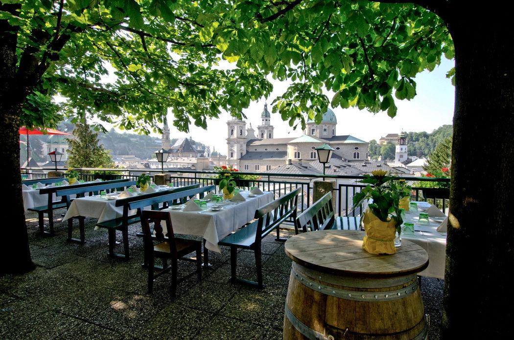 der wohl schönste Gastgarten in Salzburg