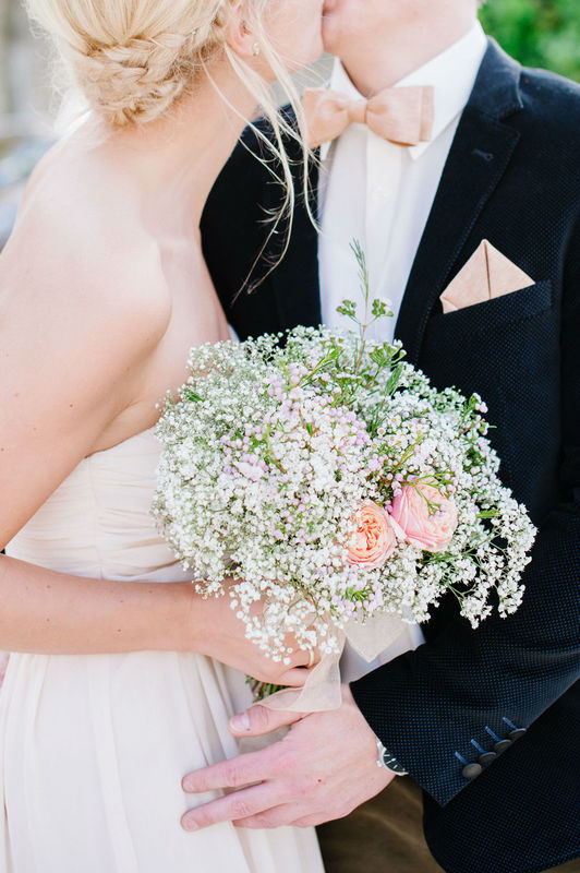 Beispiel: Professionelle Hochzeitsfotografie, Foto: Nadine Frech Fotografie.