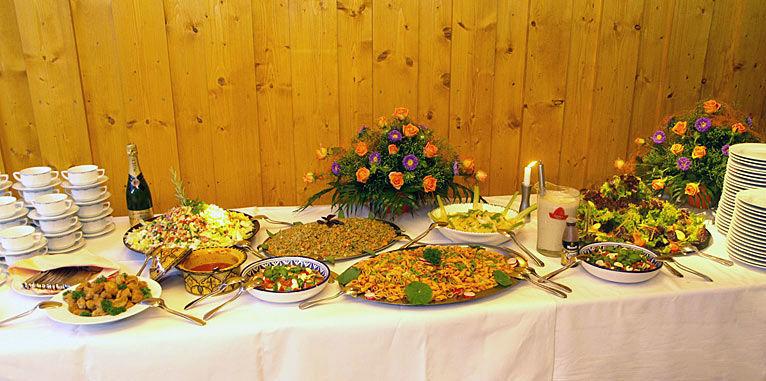 Beispiel: Blumen für das Bankett, Foto: AFLORA – Blumenfachgeschäft.